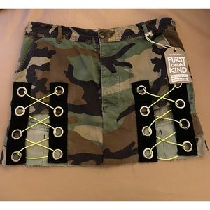 "Vintage sexy army camo mini skirt 32-33"" $178"